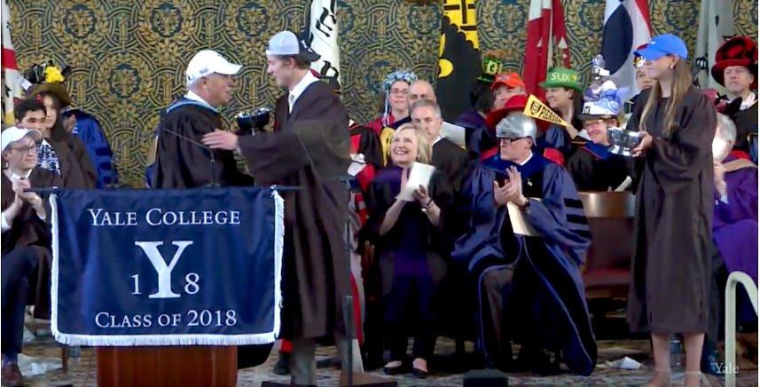 Ben Reeves wins the William Neely Mallory Award @YaleAthletics #boolaboola #Yale2018 @YaleLacrosse https://t.co/qEkA5w1riD