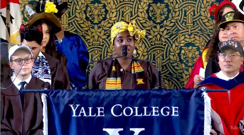 "Adwoa Buadu delivers the Ivy Ode ""the fractal salutation"" #Yale2018 https://t.co/L6Mctu84lh"