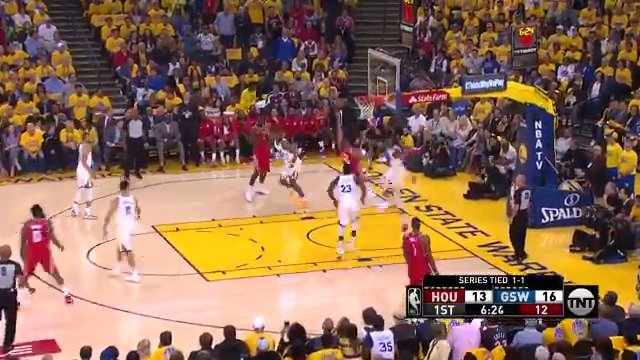 Eric Gordon shakes & drives in for two!  #Rockets 19 | #DubNation 20  ��: @NBAonTNT https://t.co/U0Vl42dHAQ