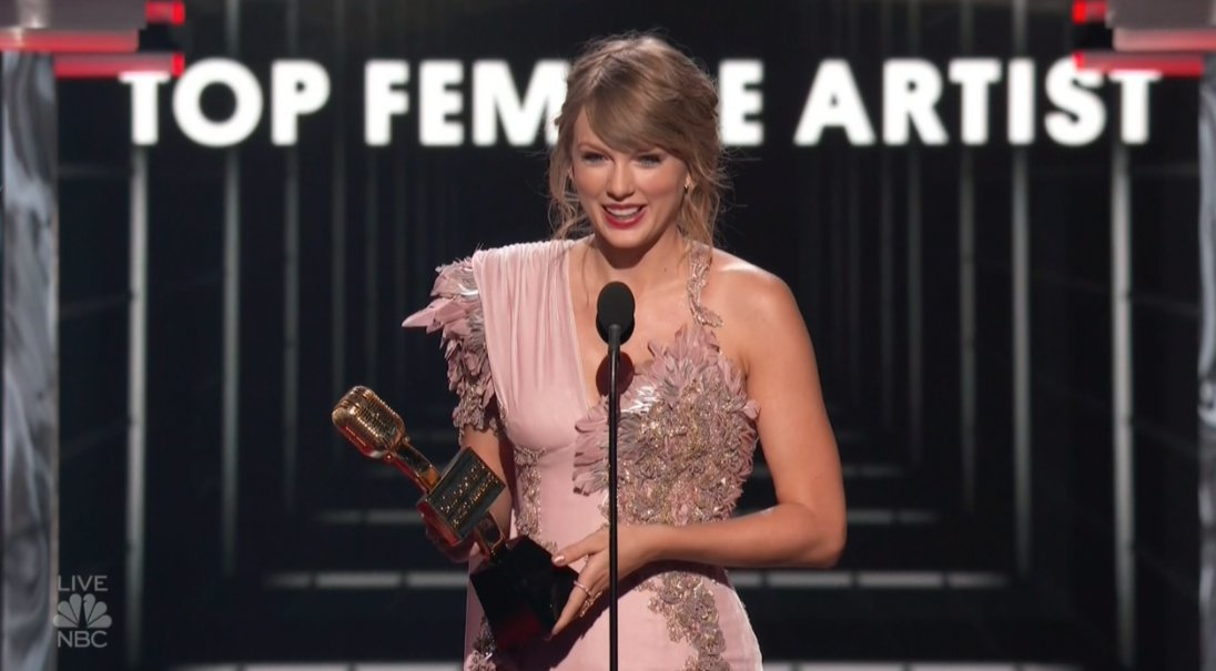 Top Female Artist at the BBMAs goes to Taylor Swift!
