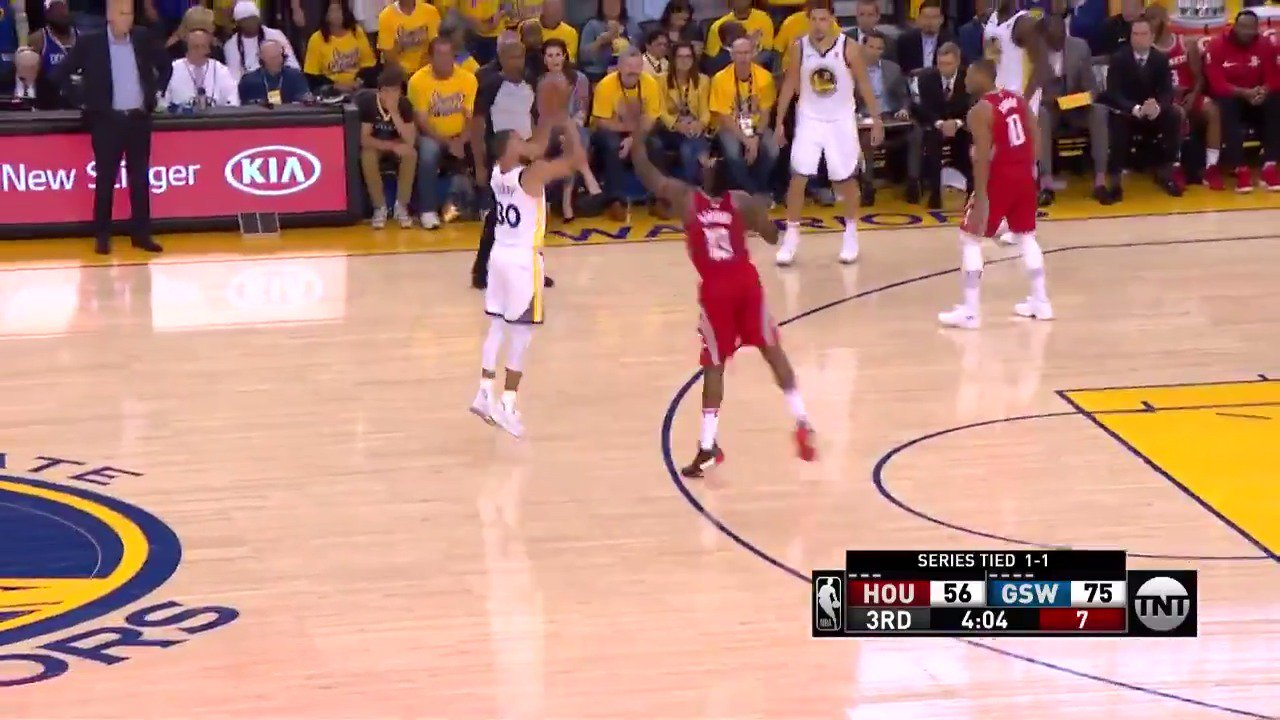 Steph Curry DANCIN'! ����  18 PTS in the 3rd Q for Steph on @NBAonTNT   #DubNation https://t.co/PBeJ2hUU4w