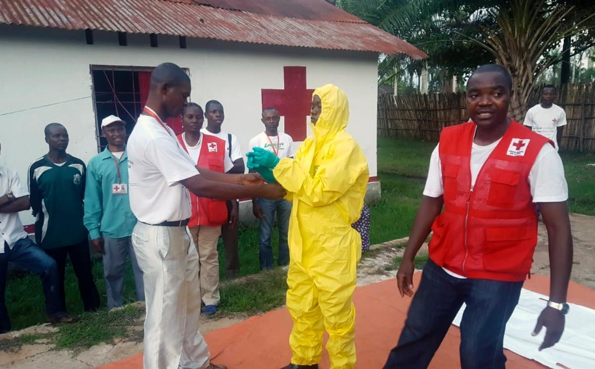 Congo confirms three new Ebola cases in Mbandaka, a city of more than 1 million people https://t.co/FHBYboz0lr https://t.co/hDqzTsBJUB