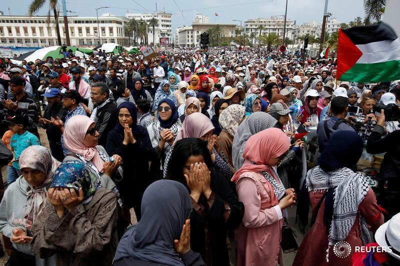 Thousands of Moroccans protest against US Jerusalem embassy move https://t.co/HRNUsNdHjn https://t.co/lKtsYwpTJD