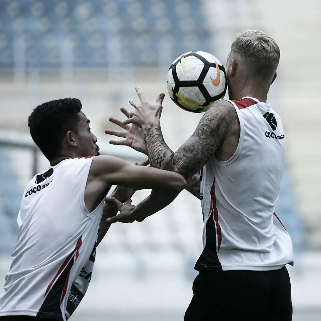 RT @BaliUtd: Hari ke dua di Samarinda, Bali United menggelar latihan di Stadion Palaran.  #baliunited https://t.co/ehH3z61jD8
