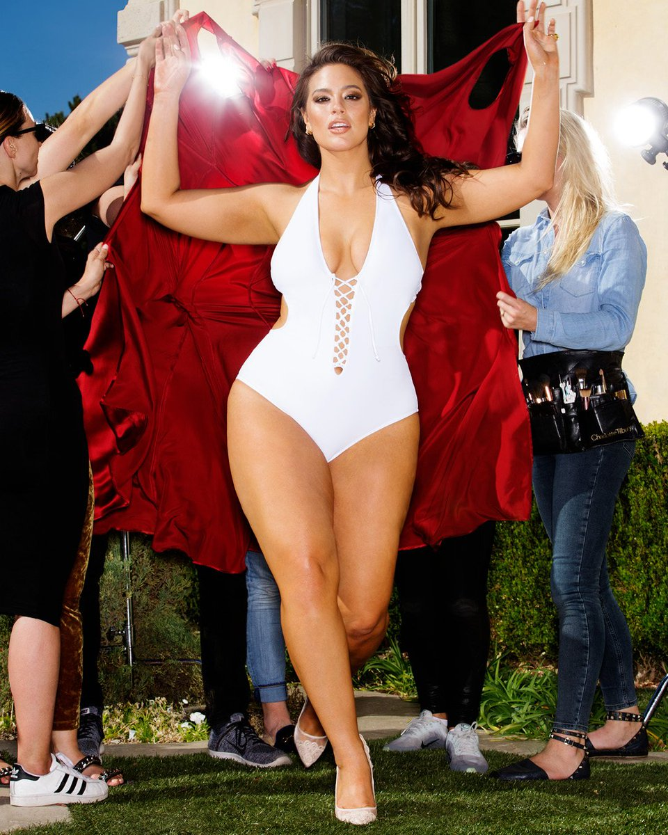 This is my #PowerSuit. Check out the new @swimsuitsforall campaign: https://t.co/7XGOnLF2oo https://t.co/kr7S39Xd9a