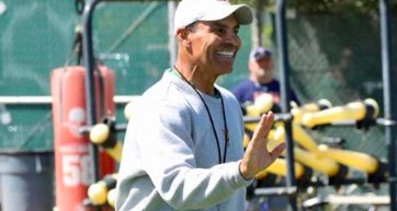 Why bringing in Herm Edwards is a substantial risk worth taking for Arizona State  https://t.co/GMUaFraYfh https://t.co/pkHTWxrVi2