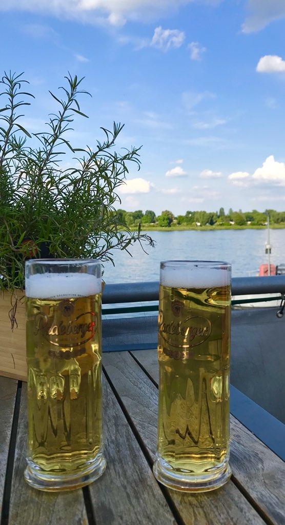 #Mainz Ein Radeberger am Strom. Schönster Biergarten der Stadt am Winterhafen mit TraumBlick auf den ewigen Rhein. https://t.co/WBf3ZQJCNW