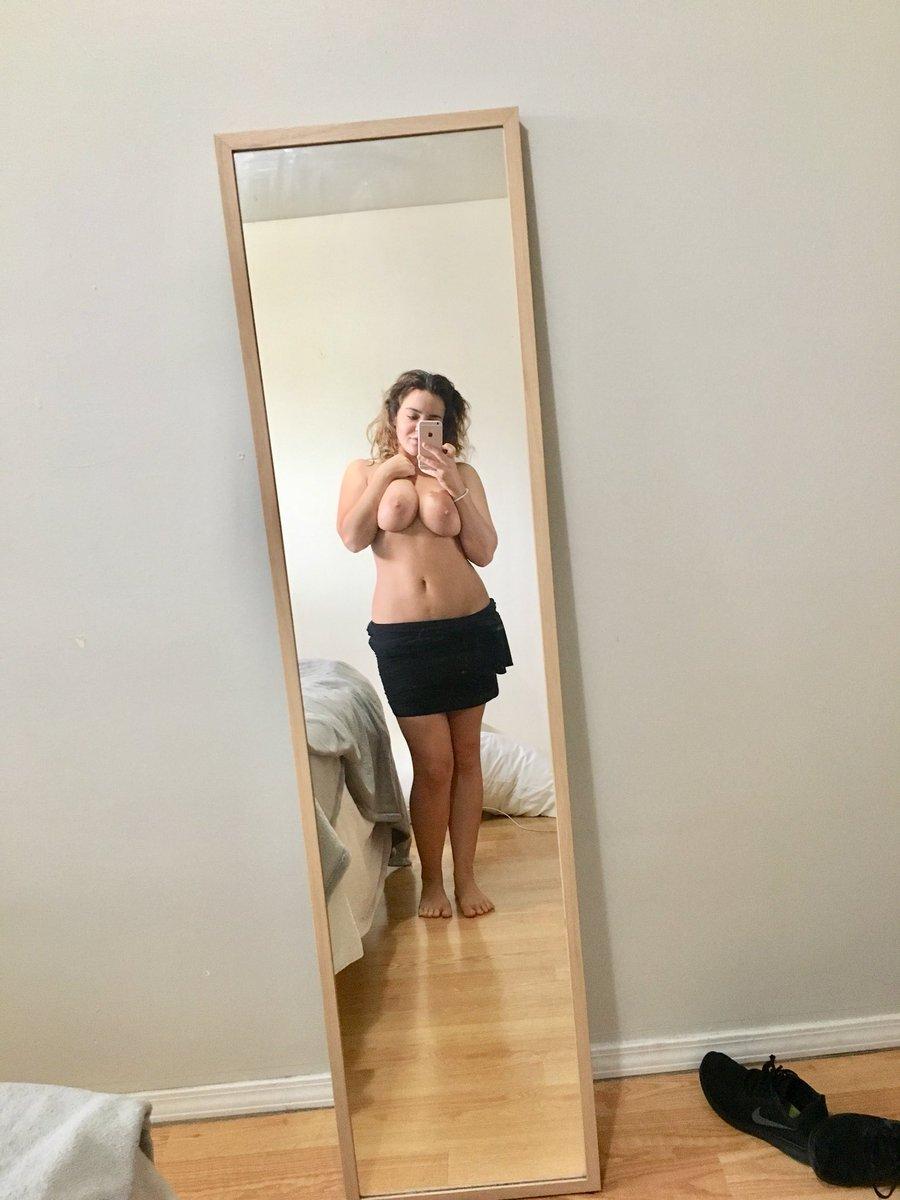 2 pic. Tits 'n curly hair 😋 FT7hJsB6eI