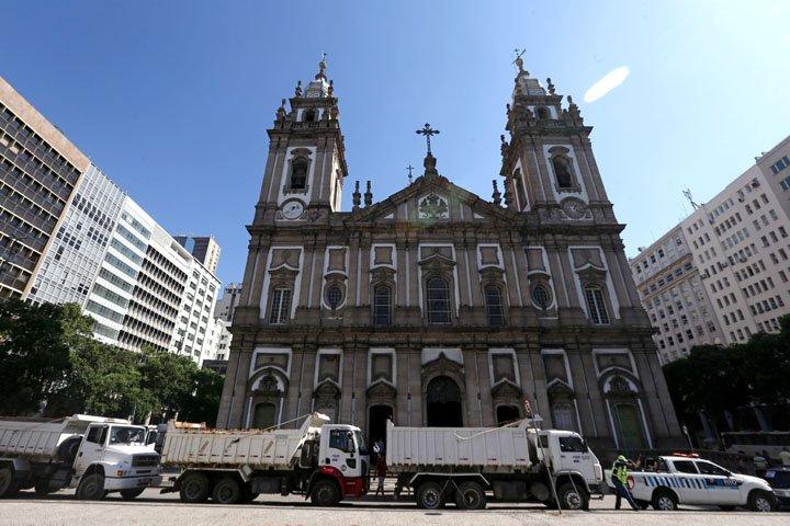 @BroadcastImagem: Caminhoneiros protestam em frente à Candelária, centro do Rio, contra aumento do diesel. Wilton Jr/Estadão
