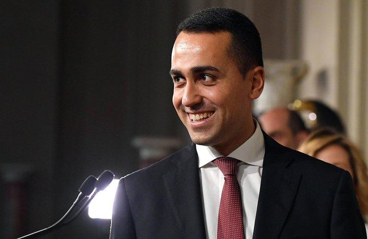 @BroadcastImagem: Di Maio, do 5 Estrelas, se reúne com presidente italiano para discutir formação de governo. Ettore Ferrari/AP
