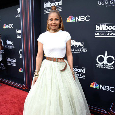 Wow! @JanetJackson looked simply stunning at the Billboard Awards last night