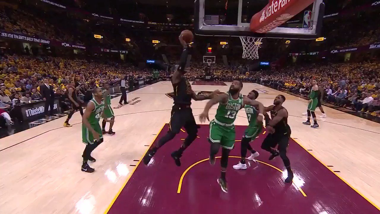 LeBron James in attack mode!  @cavs lead 72-60 in the 3rd on @ESPNNBA   #WhateverItTakes https://t.co/sMGDe26pLa