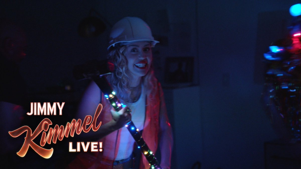 RT @jimmykimmel: A trespasser named @MileyCyrus breaks into my house in the middle of the night. #WreckingBall https://t.co/gYHEVvzPKd