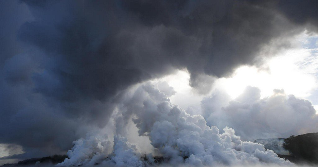 Hawaii's Kilauea volcano creates toxic stew as lava reaches Pacific