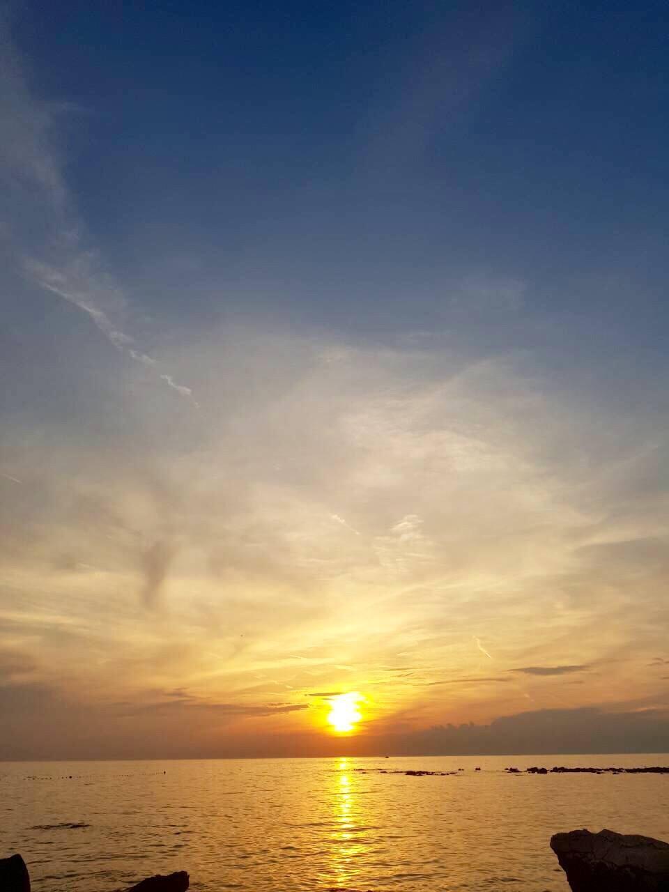 Stunning sunset at Stella Maris laguna in Umag.. Can't wait to play  @SeaStarFestival here tomorrow! https://t.co/Cm7rKX1aLp