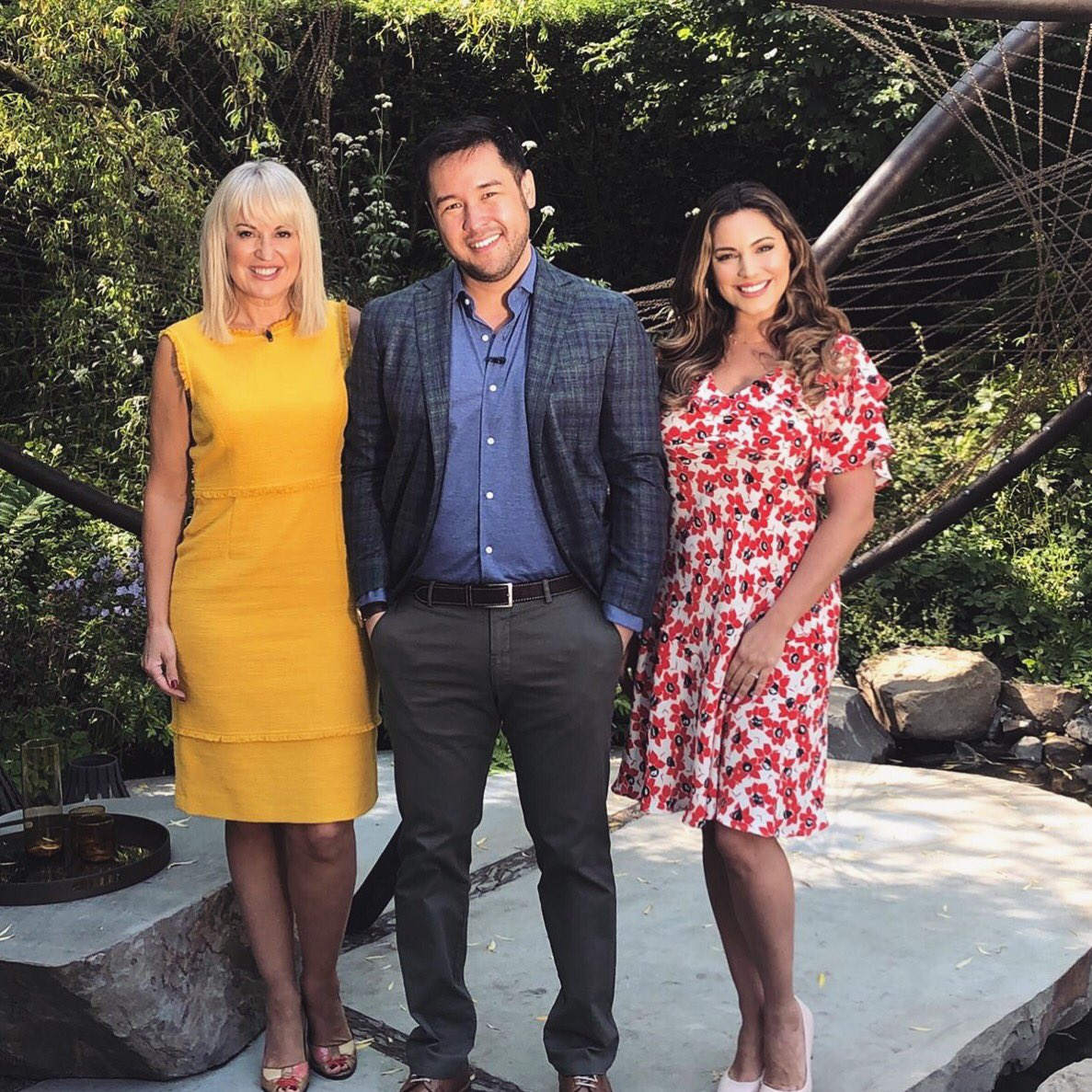 Catch me on today's @The_RHS Chelsea Flower Show Coverage for the BBC with @Nicki_Chapman @Botanygeek ????????‍???????? https://t.co/fXB96nFffn