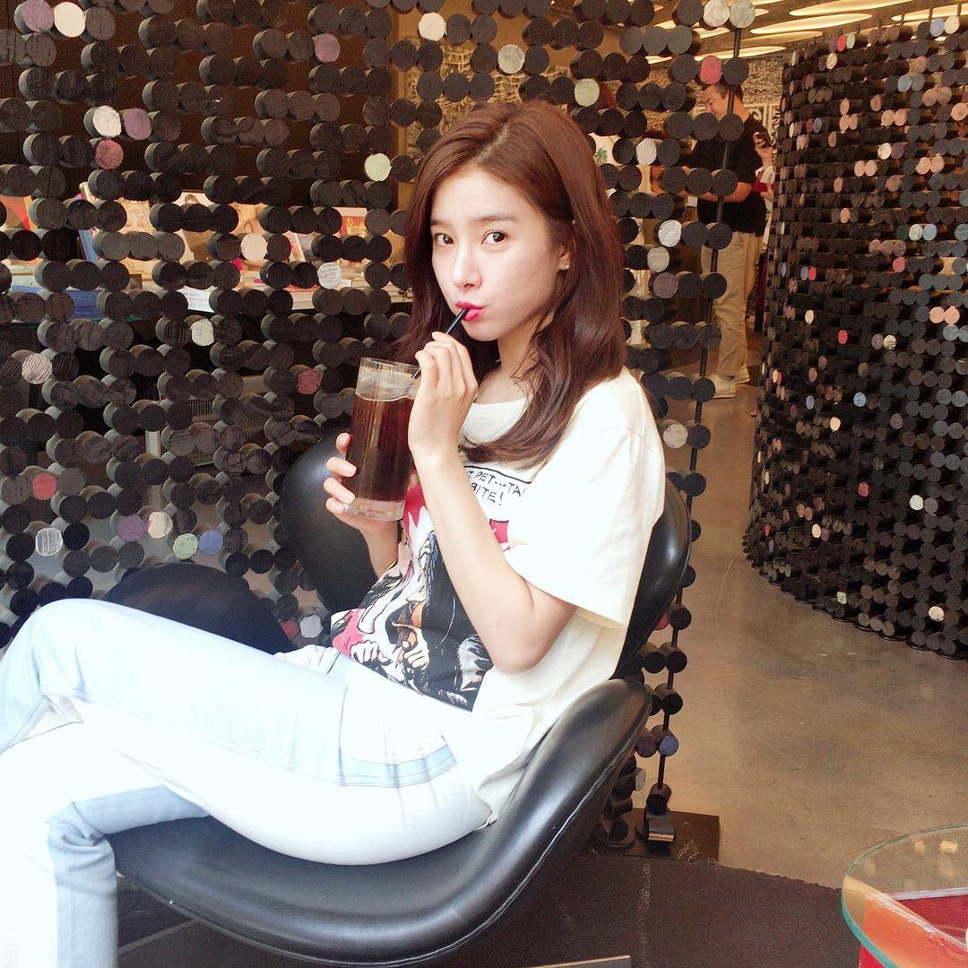 Kim so eun fashion 20