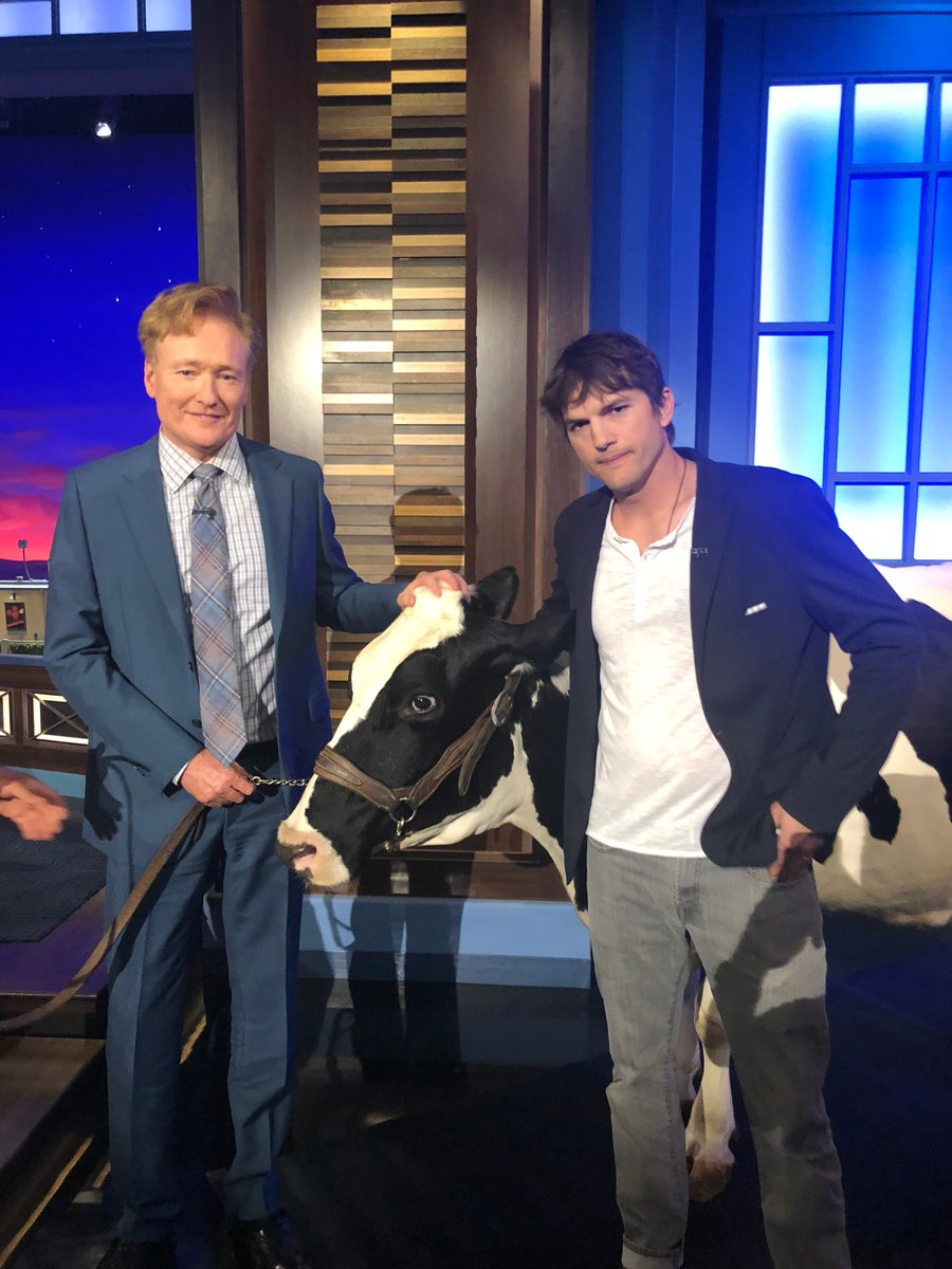 Fun all around with Molly the cow and @TeamCoco. Tune in tonight at 11/10c on @TBSNetwork #TheRanch https://t.co/NfepjFwAOy