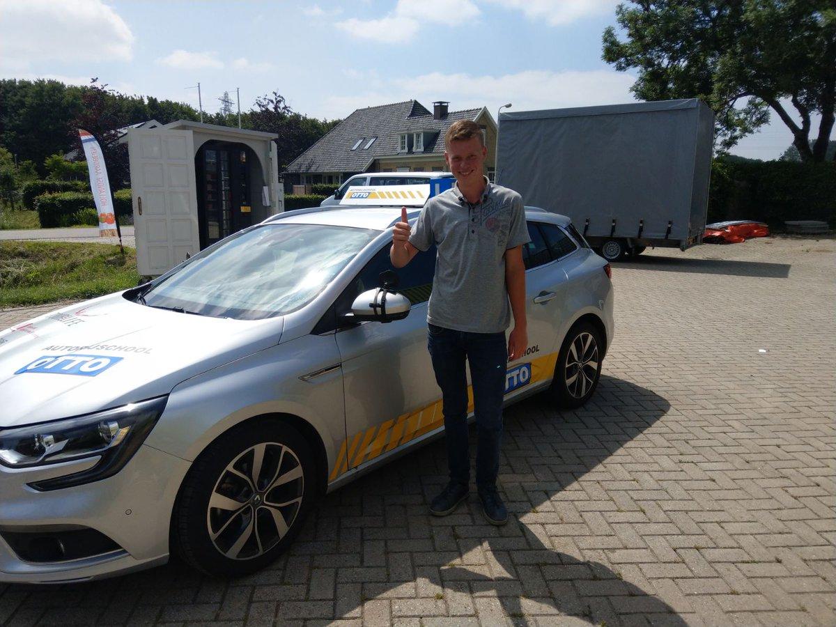 test Twitter Media - Keurig gedaan Wim van Wingerden in 1x geslaagd voor je rijbewijs! Nog 2 maandjes met je begeleiders op pad en dan zelfstandig. We gaan dan ook gelijk doorpakken voor je BE rijbewijs. https://t.co/Fo3yxfRmH5
