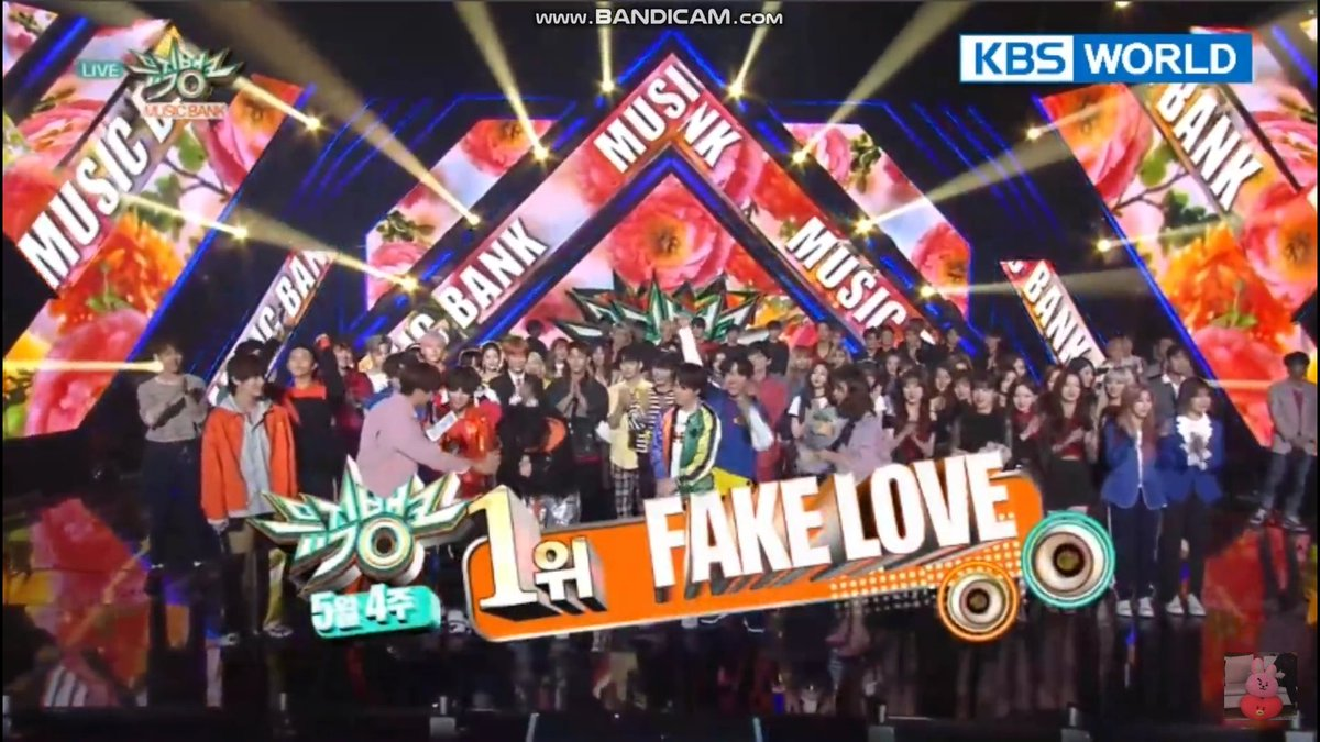 #FakeLove1stWin