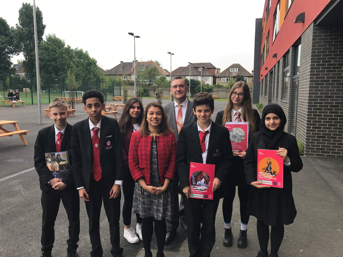 test Twitter Media - Thank you to everyone at Hampstead School for showing me its fantastic @brilliantclub project this morning - with pupils getting a taste of University life to help inform their further education choices #TBCmeetsMPs https://t.co/ERLjXHf7Zd