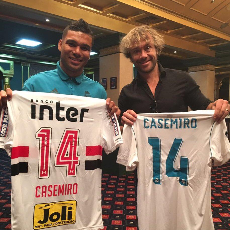 Xavi   There are midfielders l casemiro