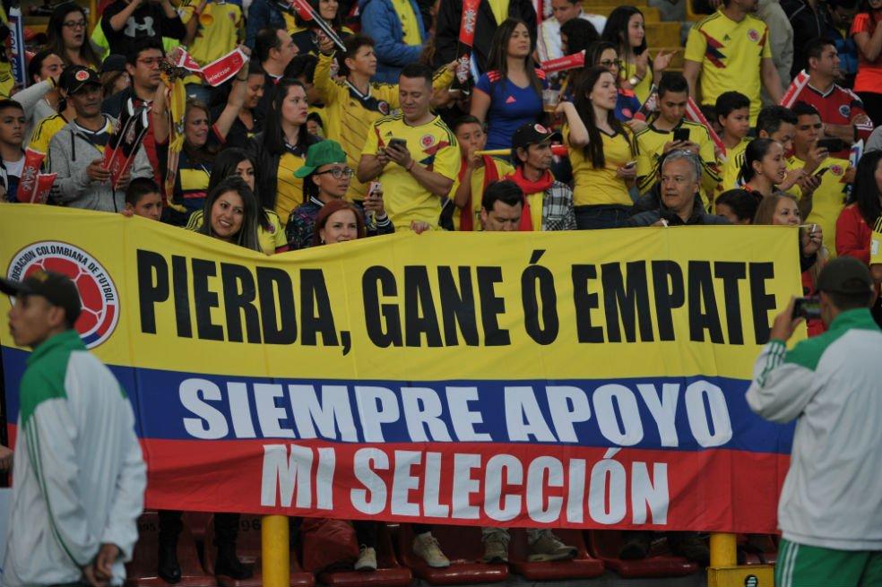 RT @DeportesEE: Las fotos de la despedida de la Selección Colombia https://t.co/haU6mwhNXI https://t.co/edYvjplhhd
