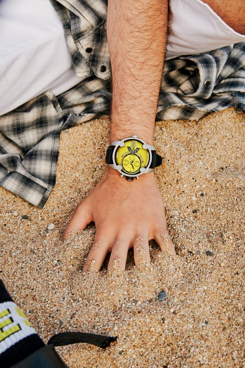 It's like your wrist and fashion are having sex. #DieselWatch https://t.co/we9BfoV6Wm
