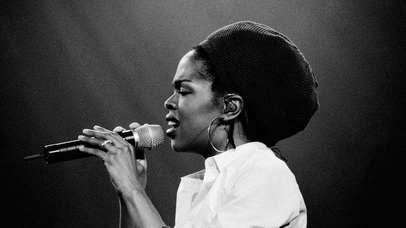 Happy birthday Lauryn Hill! Look back at our 1999 cover story on the singer https://t.co/ryvbgD5LZi https://t.co/Cdoj5Qv28V