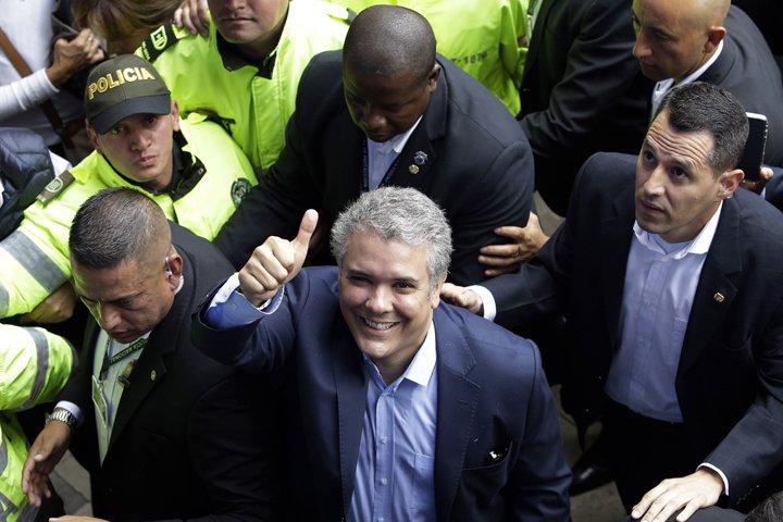 @BroadcastImagem: Iván Duque (foto) e Gustavo Petro levam eleição presidencial da Colômbia ao 2º turno. Fernando Vergara/AP