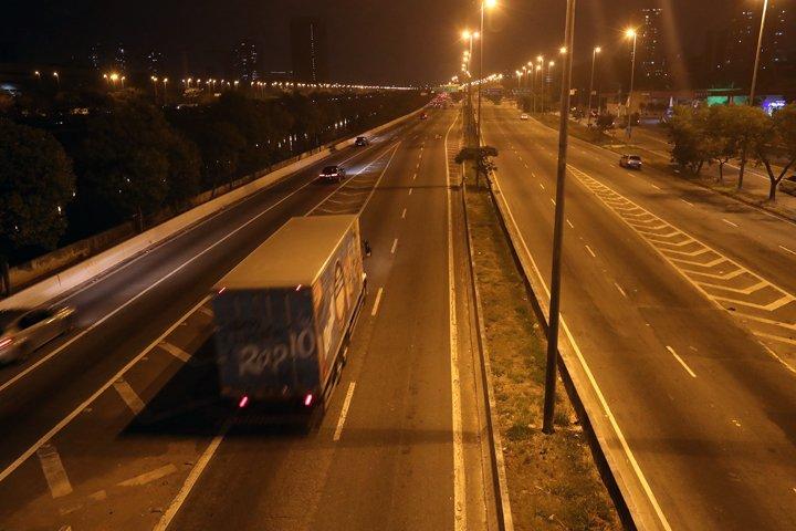 @BroadcastImagem: Pouco movimento na Marginal Tietê, na altura da Ponte da Casa Verde, zona norte de SP. Alex Silva/Estadão