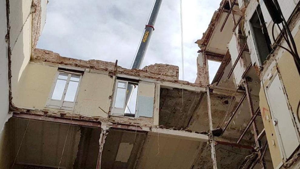 La promotora del edificio derrumbado eligió a la constructora por su experiencia https://t.co/kUVWB7Hlno https://t.co/ajaB9g7ZKG