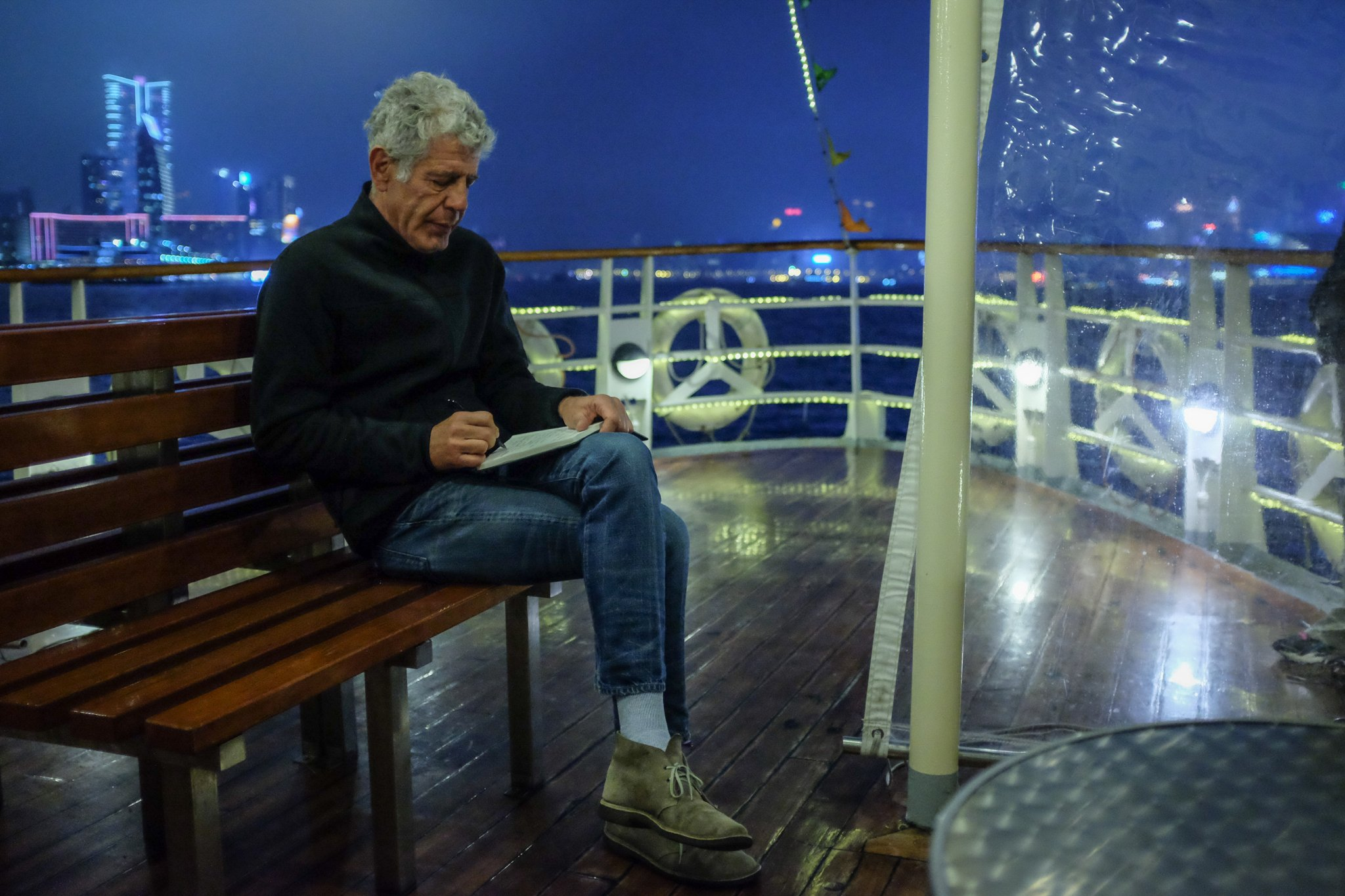 Star Ferry to Kowloon. Hong Kong @PartsUnknownCNN Sunday Night  @AsiaArgento @dukefeng52 https://t.co/eVwm33uTQ6
