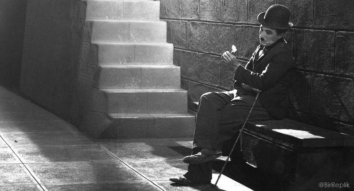 Evrensel bir nimet olan sessizlikten zevk alabilenler, dünyanın en mutlu kişileridir.   Charlie Chaplin https://t.co/NAAkJFGTC5