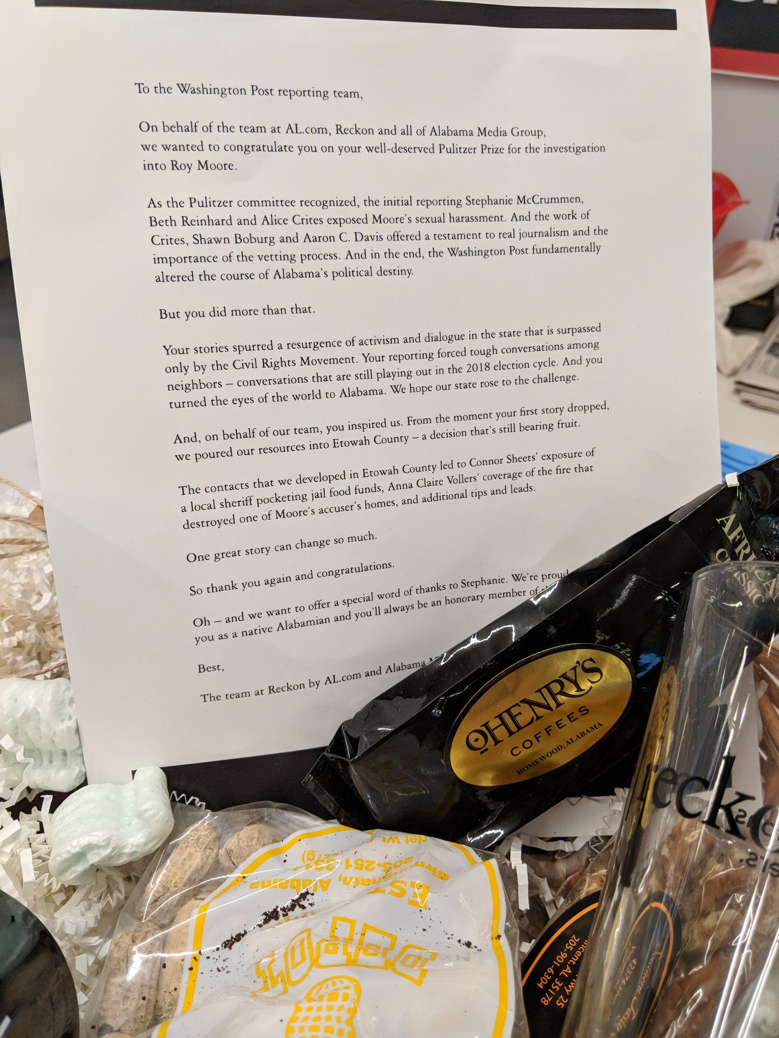 What a lovely gesture from @reckonalabama @aldotcom congratulating @mccrummenWaPo @bethreinhard @alice_crites @ShawnBoburg @byaaroncdavis on their Pulitzer Prize-winning work. Thank you! https://t.co/eXcgzSvqm2