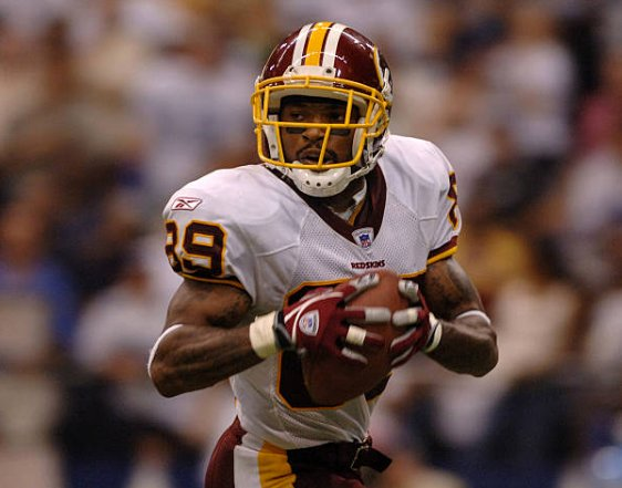 Happy birthday to Santana Moss, one of the best players in Redskins history, who turns 39 today!.