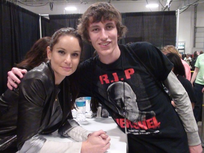 Happy birthday Sarah Wayne Callies!!! I find it hard to believe this photo was taken almost four years ago!