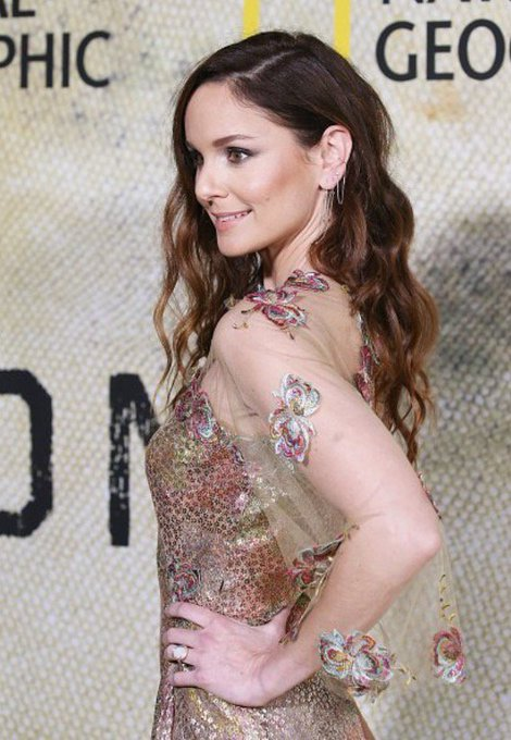 Happy birthday Sarah Wayne Callies! I hope it\s an amazing day! I\ll always miss you as Lori Grimes