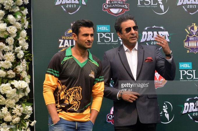 HAPPY BIRTHDAY Dear LegenD AND THE swing Sultan MR.      WASIM AKRAM