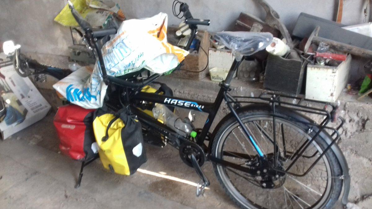 Romeo est au garage : vacances au Kirghizistan pour 3 semaines !  / Bike at rest : holidays for 3 weeks !
