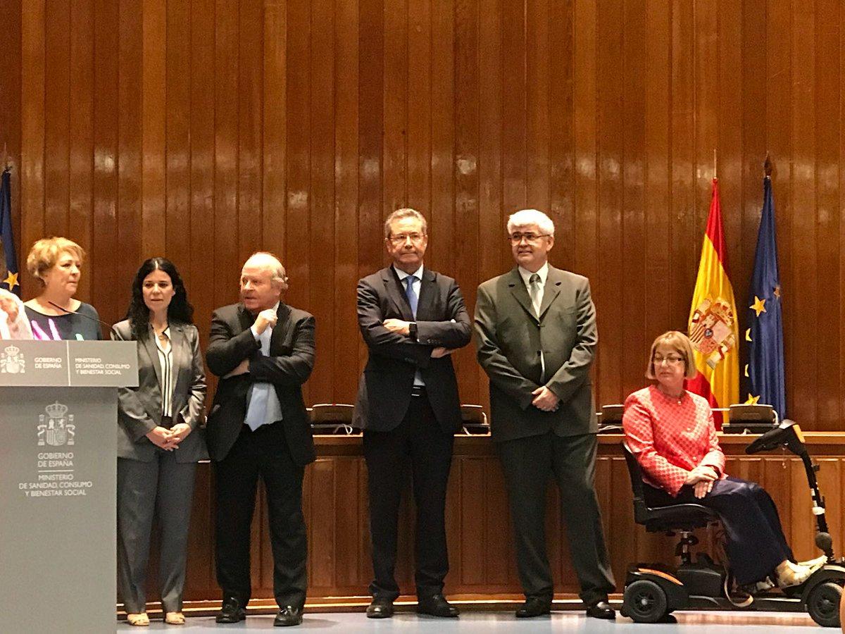 test Twitter Media - Hoy estamos en la toma de posesión de la Secretaria de Estado de Servicios Sociales @PilarDL con @aguiteras y @Fperezanton #abd https://t.co/WDqgFkzCyy