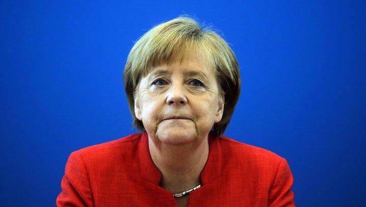 @BroadcastImagem: CSU da Alemanha dá ultimato a Merkel para selar acordo europeu sobre imigrantes. Markus Schreiber/AP