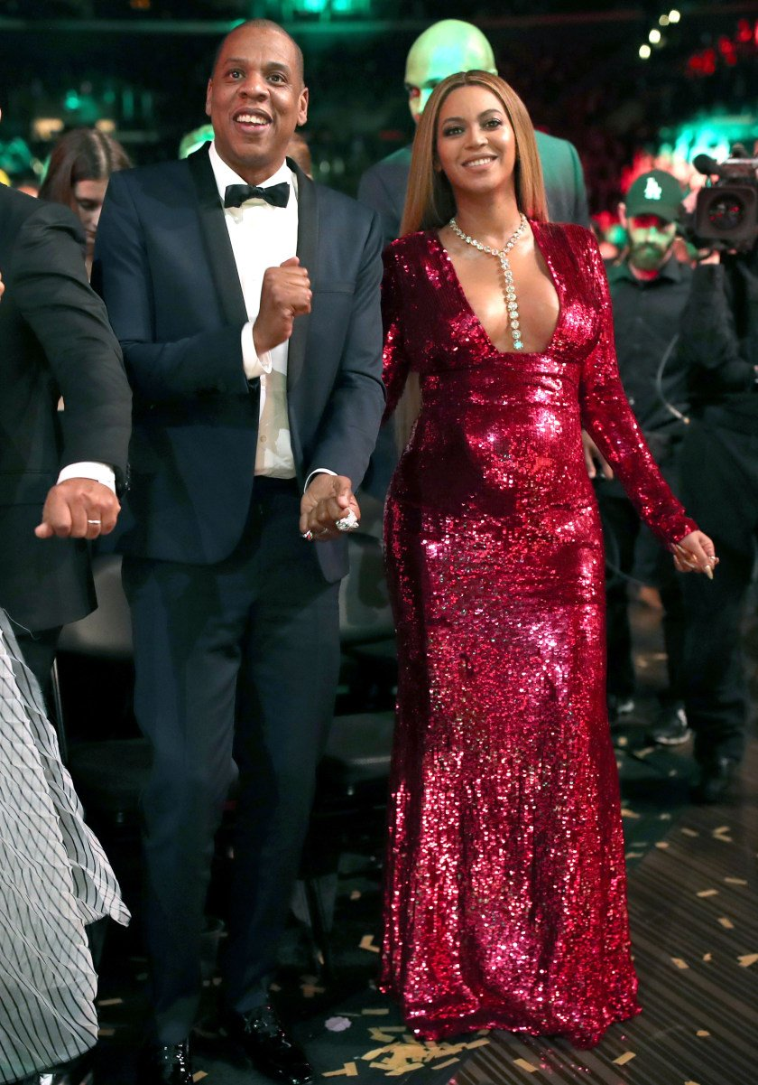 .@Beyonce and JAY-Z have put their new album on Spotify and Apple Music. https://t.co/J7AR5YZeVn https://t.co/EzzgRKtZkm
