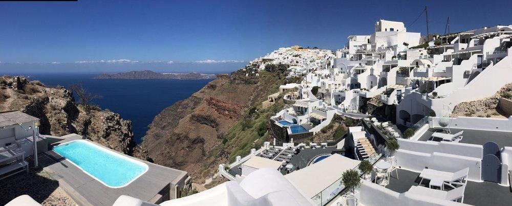 5 days in #Santorini: https://t.co/BtMMBR7jGy #travel #travelblog #holiday https://t.co/UTllmFggVP
