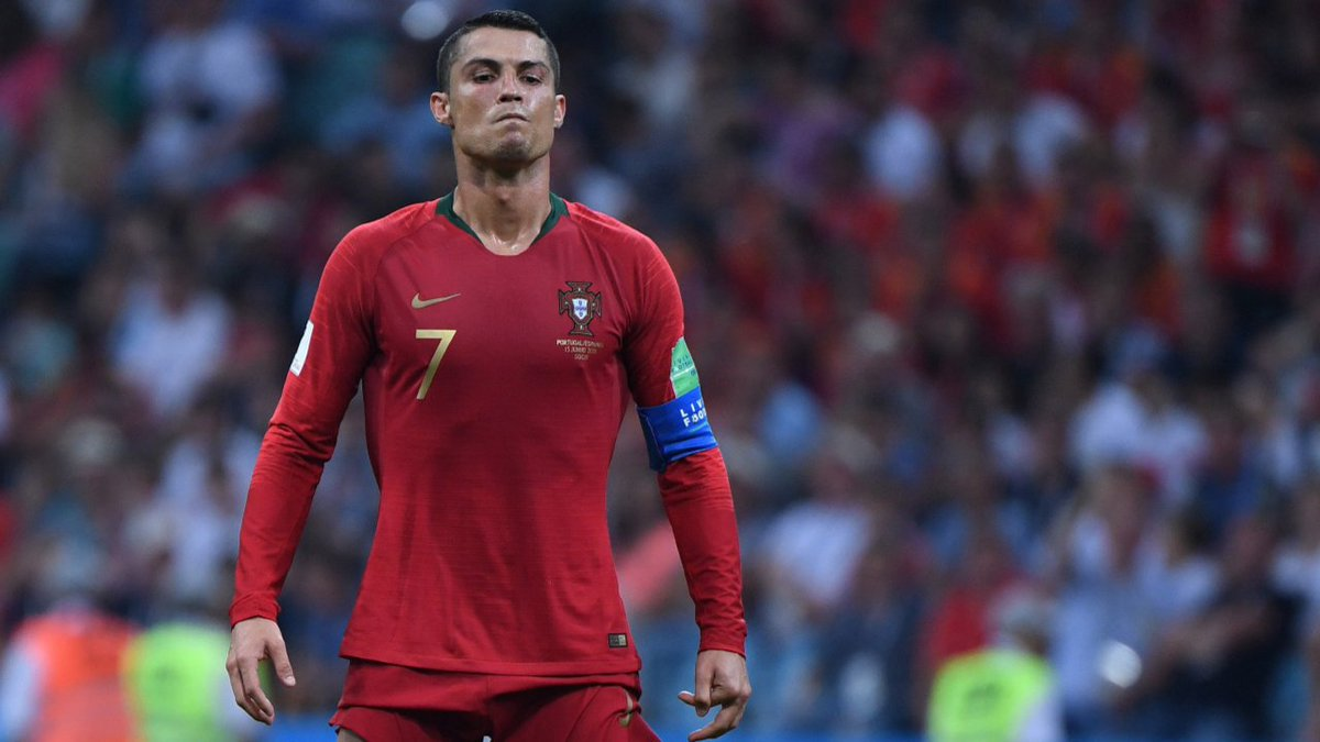 "Presse feiert Ronaldo ""Spanien ist aus Eisen, aber Cristiano aus Stahl"" https://t.co/Q8rSUVARrA https://t.co/hUiJt20RTy"