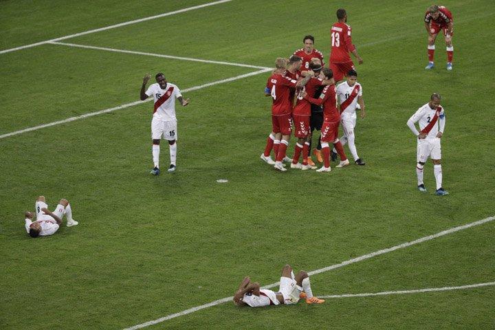 @BroadcastImagem: Cueva isola pênalti e Peru perde para Dinamarca em volta ao Mundial após 36 anos. Gregorio Borgia/AP