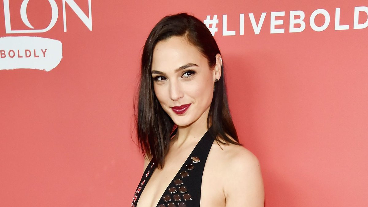 Wonder Woman's Big 1984 Reveal Is Here, Thanks To Gal Gadot