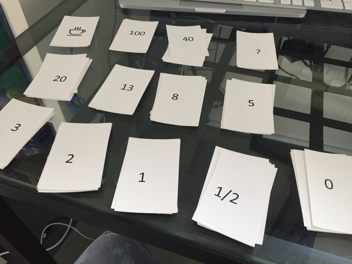 Voorbereidingen voor een #Scrum introductie bij ??@syntraab? #planningpoker #teaching https://t.co/xbSfDjI2iC