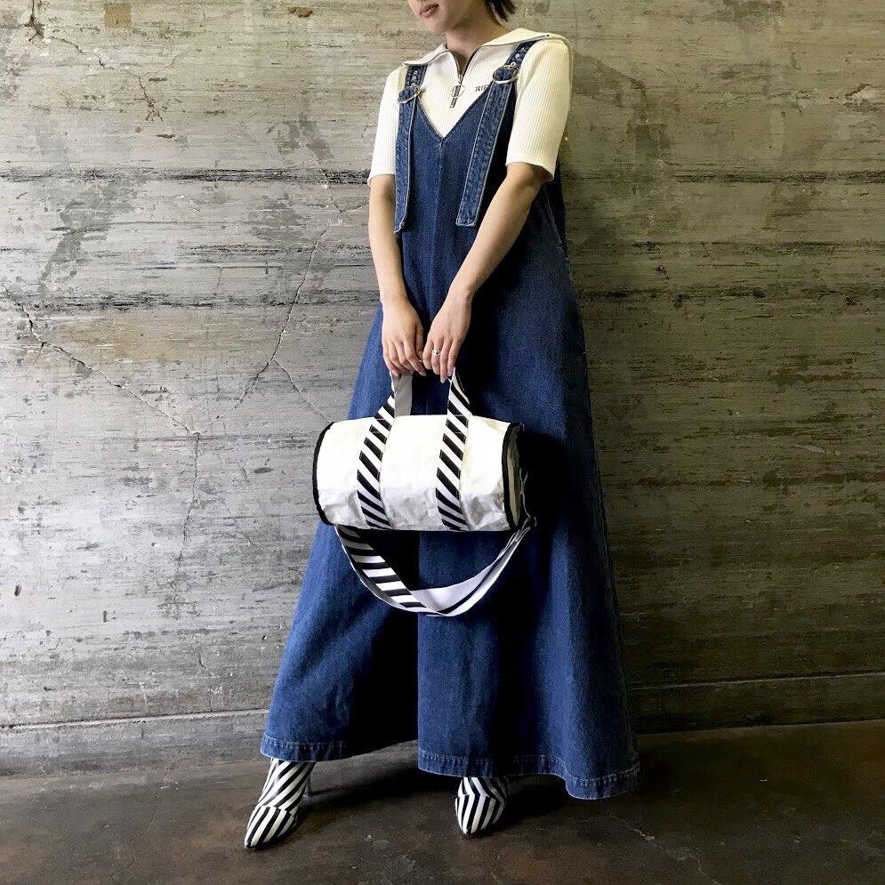本日は伊勢丹別注のデニムドレスをご紹介。オールシーズン着用できるアイテムです。  ◼︎DENIM LACE UP PINAFORE DRESS  #gvgv  #伊勢丹 #isetan https://t.co/DI1Wf9AlTX