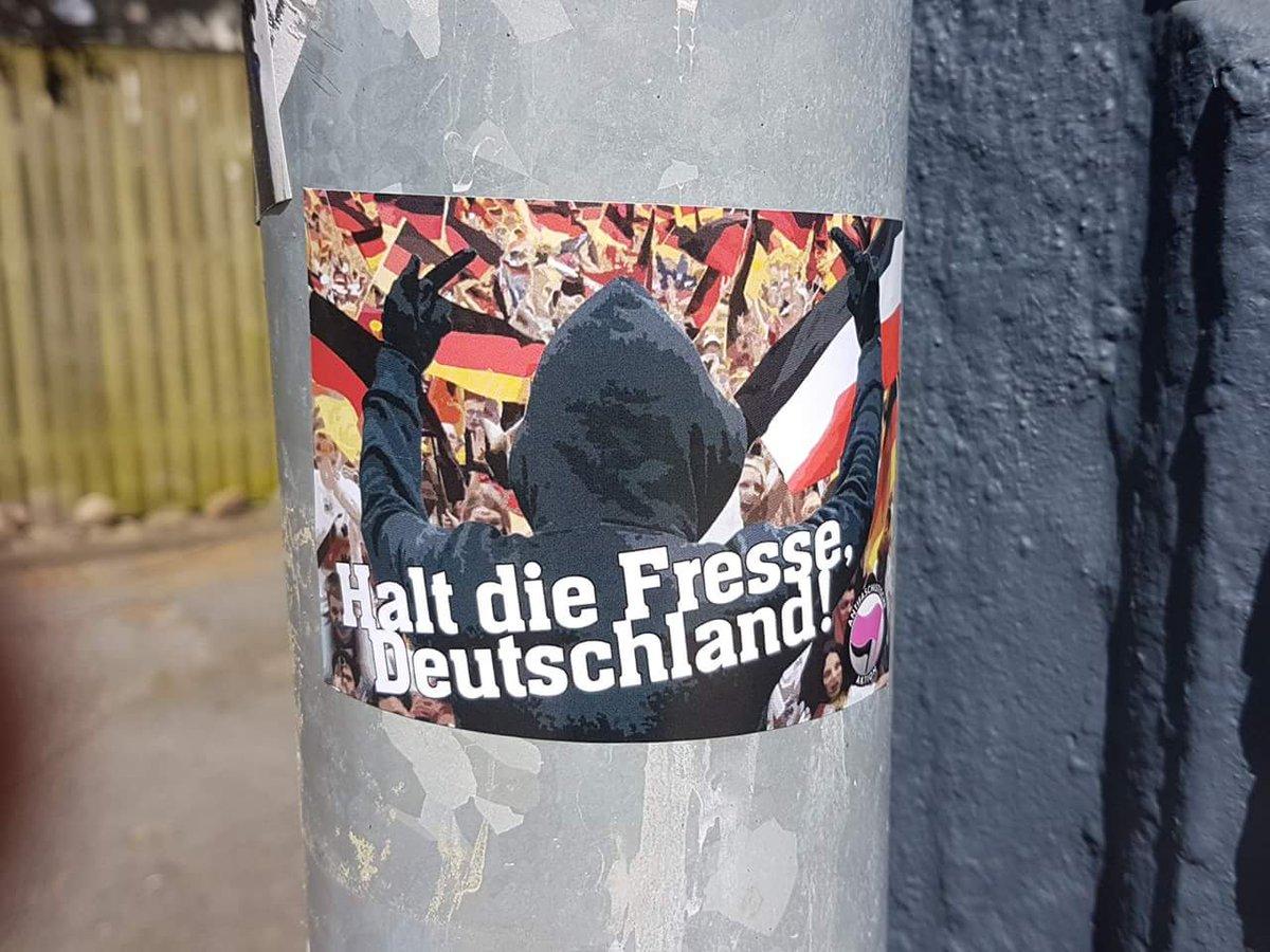 RT @traumrenner: Gegen das ewige Rumgedeutsche! Immer und Überall!!!  #NoAfD #nonpd #nonazis #AfD #WM2018 https://t.co/MjkNJxigeq